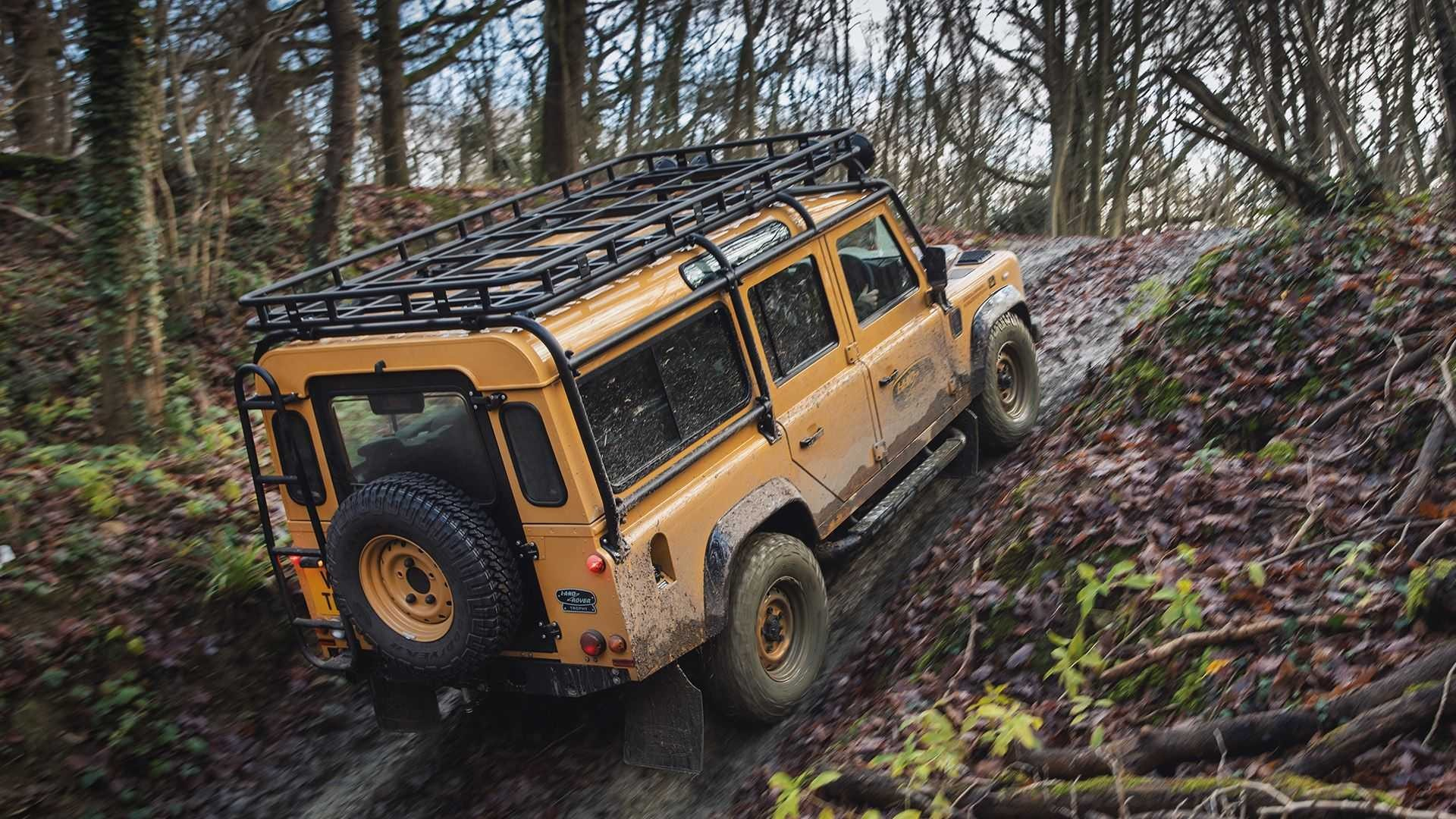 Land Rover Defender Works V8 Trophy 2021 року